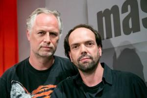 Pressefoto von maschek zu zweit: Peter Hörmanseder (links), Robert Stachel. (Fotocredits: hans-leitner.com)